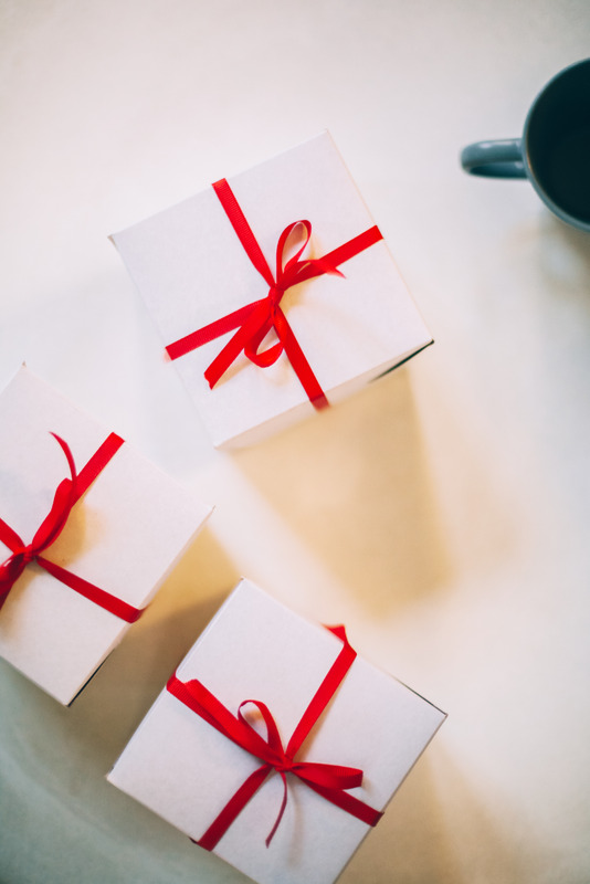 welcoming onboarding gifts for remote workers