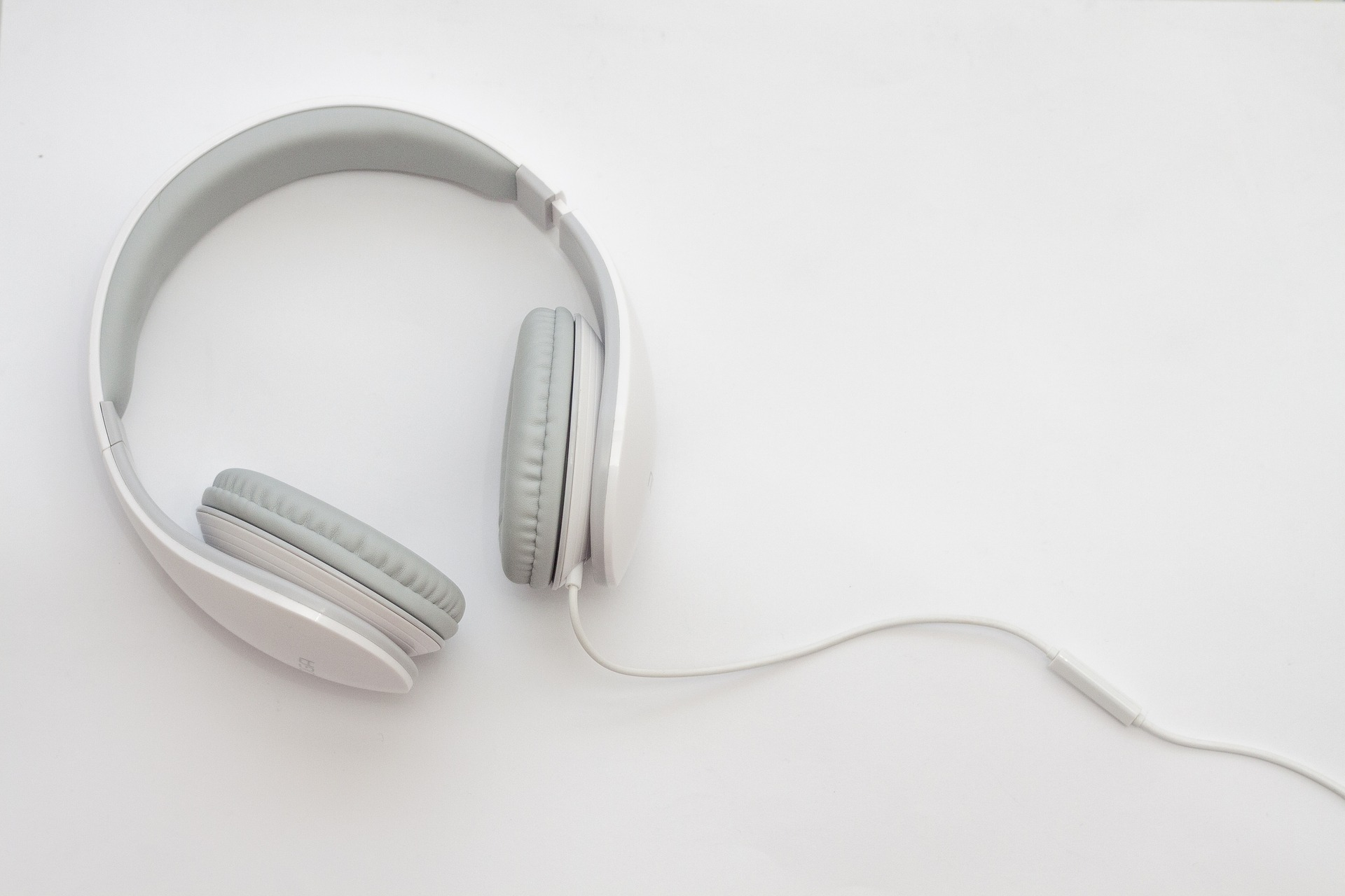 noise cancelling headphones types
