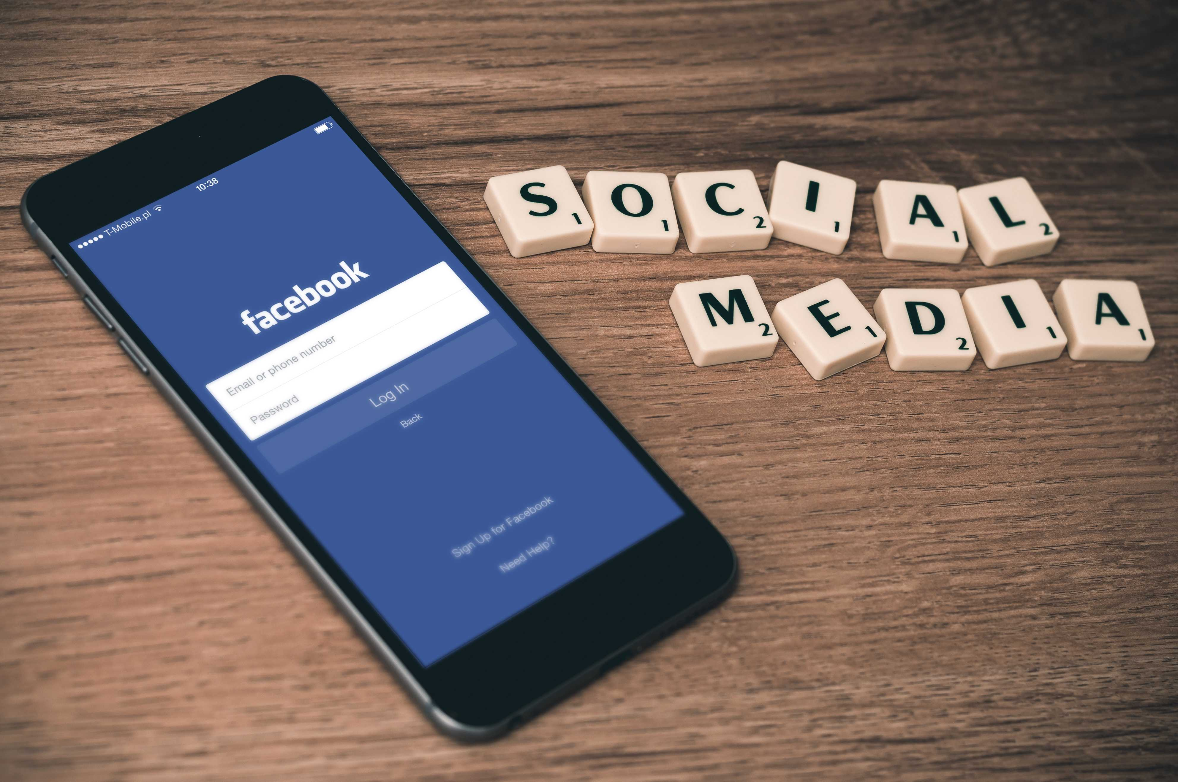 digital nomad social media