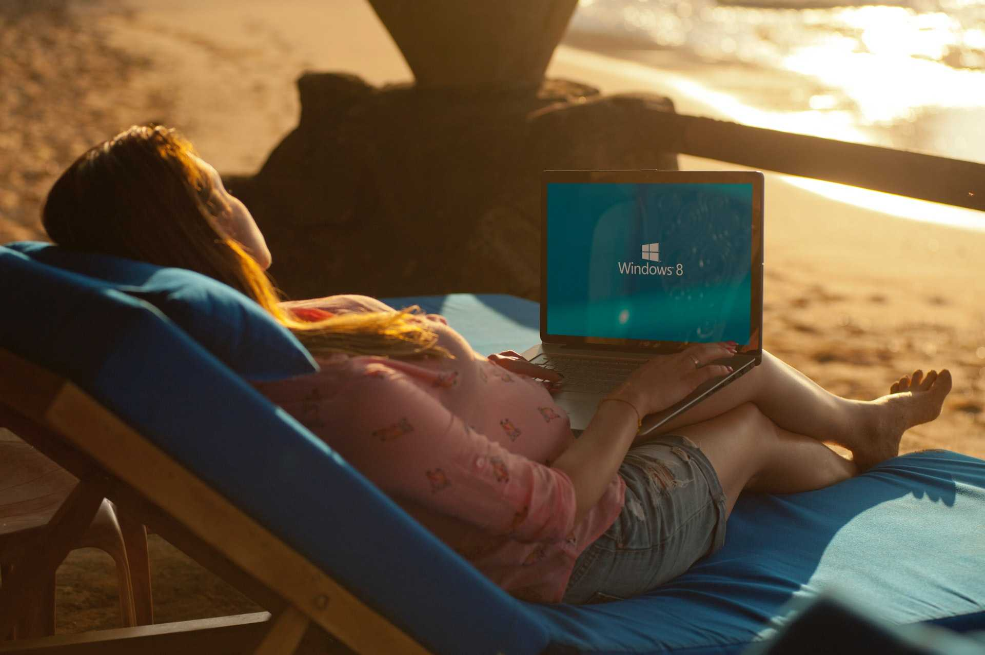 digital nomad laptop beach